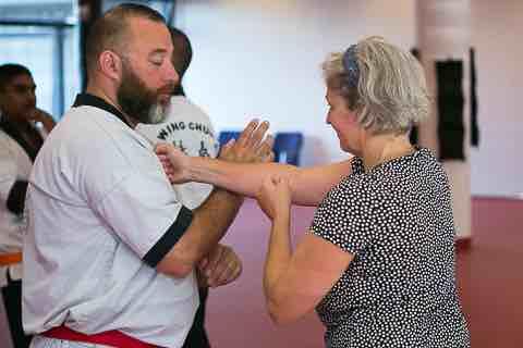 Ouders trainen tegelijkertijd met de kinderen.